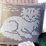 Филейное вязание, подушки с животными