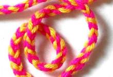 Двухцветный шнурок