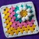 Асимметричный мотив с цветочком