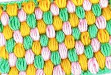 Трехцветный узор из пышных столбиков
